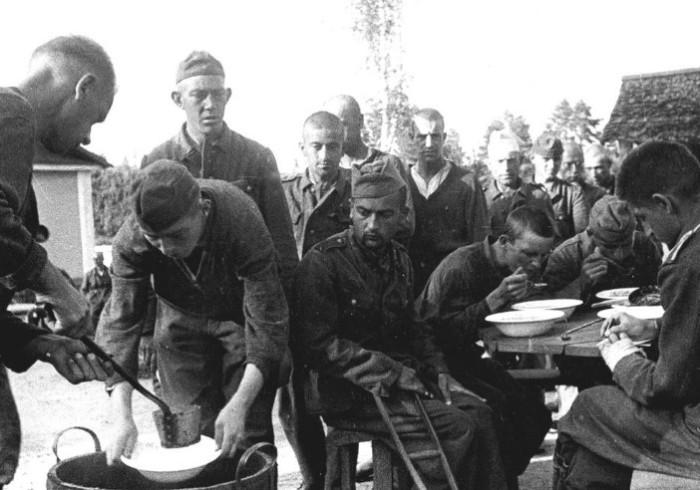 Немецкие солдаты повсеместно жаловались на отсутствие в их рационе мяса.