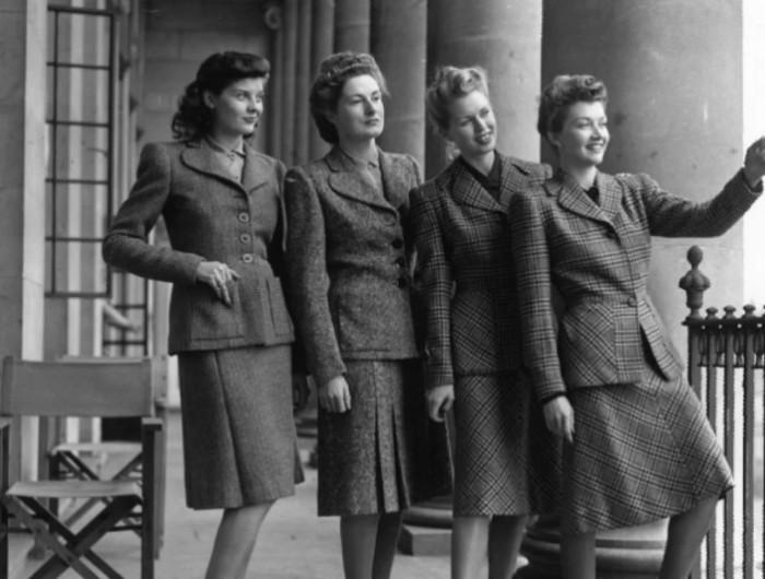 Грубые ткани и мужественные фасоны были самыми востребованными в военные годы.