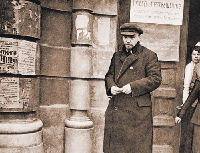 Ленин понимал необходимость создания революционной типографической продукции.