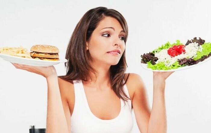 Бытует мнение, что женщина должна следить не только за своим питанием, но и вообще за всеми членами семьи.