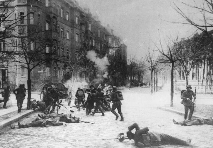 Бои на улицах Берлина в январе 1919 года
