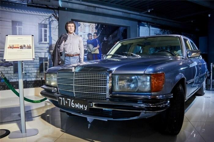 Любимая машина Высоцкого и его восковая фигура в музее Екатеринбурга