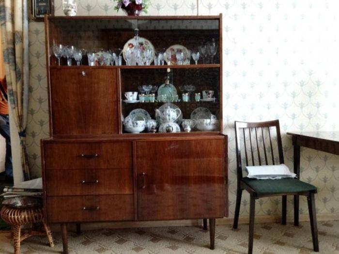 Сервант - ненужный и громоздкий предмет мебели, делающий старомодным любой интерьер