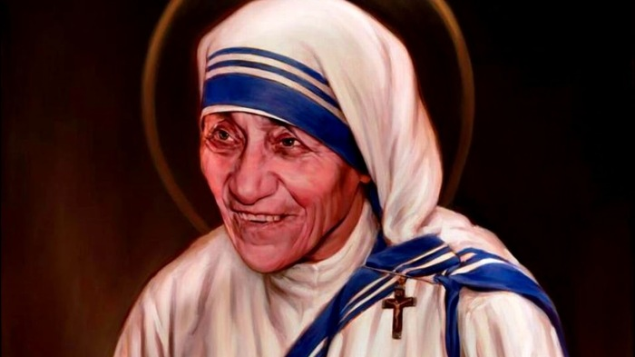 Мать Терезу причислили к лику святых в 2016 году
