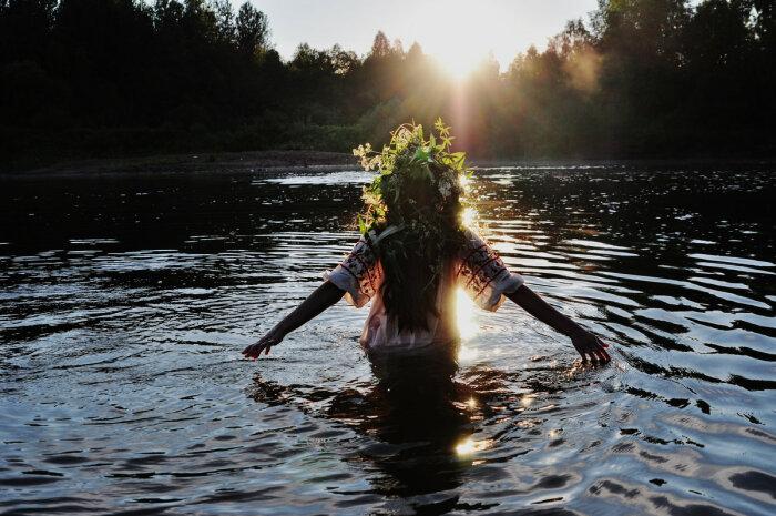 Обряд взрослого имянаречения проходил в воде