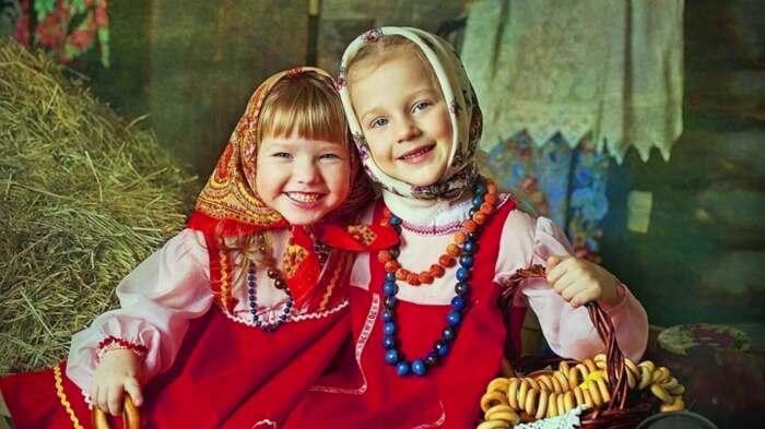 После семи лет дети начинали постоянно носить одежду, как у взрослых
