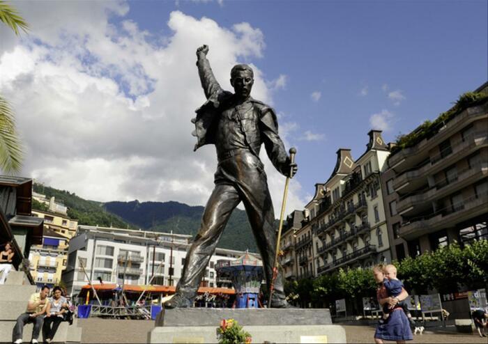 Памятник Меркьюри в городе Монтре