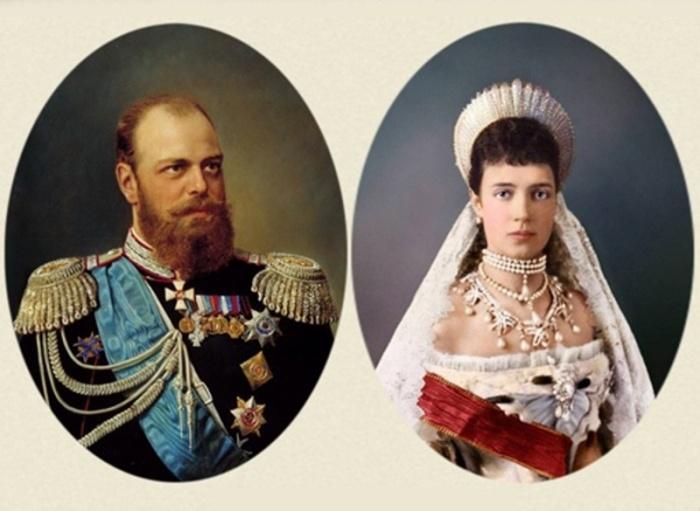 Только в присутствии своей жены Марии Федоровны Александр III разрешал говорить по-французски