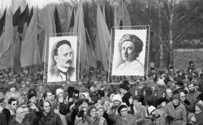 Для многих людей Карл Либкнехт и Роза Люксембург - народные герои