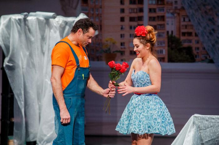 Мария Кравченко и Андрей Носков в спектакле «Ангелы на крыше»