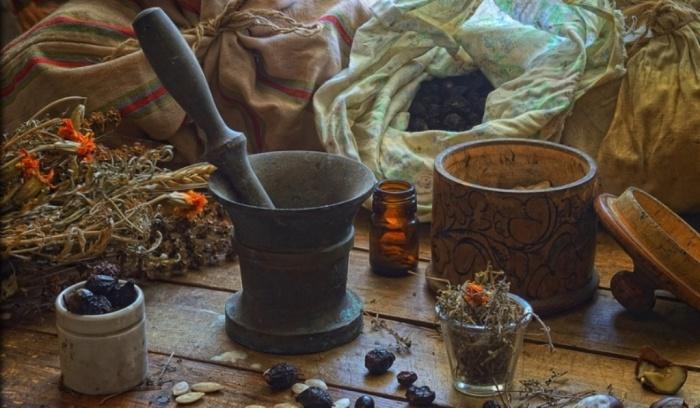 Различные настойки на травах считались отличным средством от любой хвори