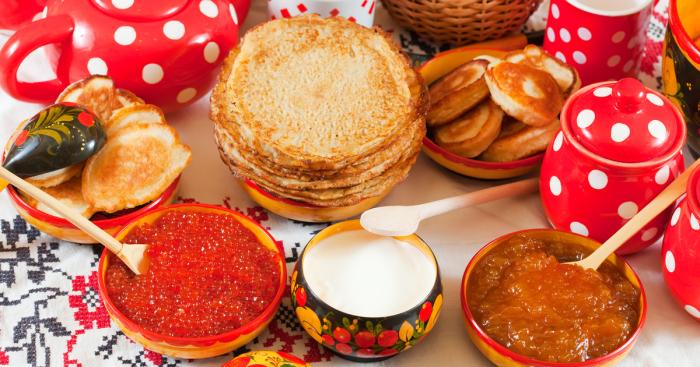 Блины - главное угощение на праздничном столе