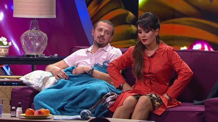 Мария в образе сварливой жены со своим сценическим мужем Олегом Верещагиным в «Comedy woman»