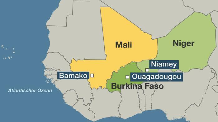 Из-за богатой на полезные ископаемые Агашерской полосы в 1974 году произошел военный конфликт между Мали и Буркина-Фасо