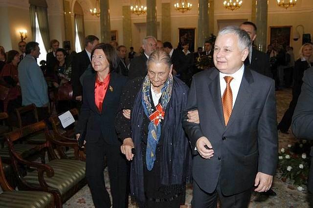 Альфреда Марковская с президентом Польши Лехом Качиньским, 2006 г. / Фото: https://www.prezydent.pl