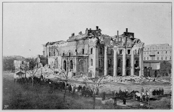 Послепожарные руины Городского театра