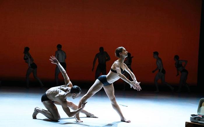 Наряды современного балетного икусства отличаются смелостью и дерзостью / Фото: wdoxnovenie.ru