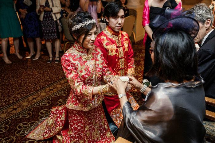 Особый вид чайной церемонии в знак благодарности родителям / Фото: www.sweetchicevents.com
