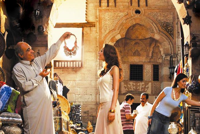 Продавцы на восточных рынках любят торговаться / Фото: narshexpresstours.com