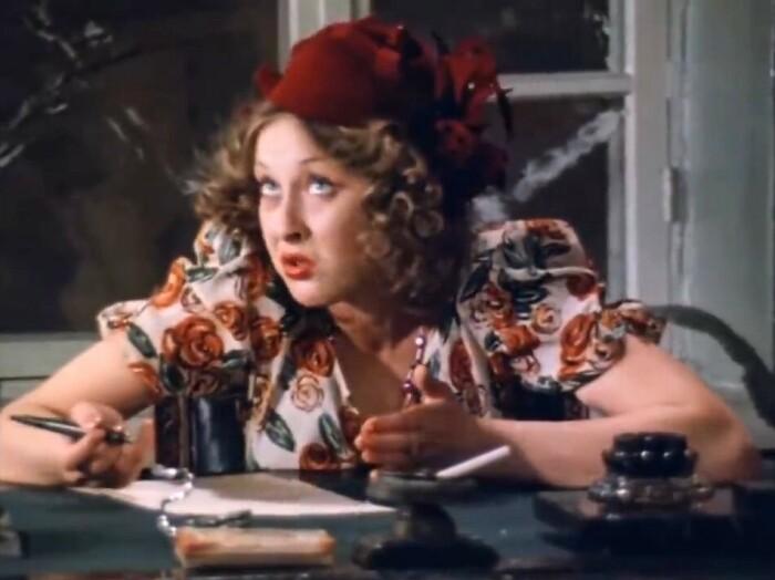 Лариса Удовиченко в фильме «Место встречи изменить нельзя», 1979 / Фото: www.meme-arsenal.com
