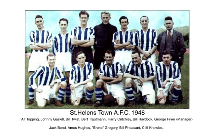 Берт Траутманн в составе футбольного клуба St. Helens Town A.F.C., 1948 год / Фото: fcsthelens.co.uk