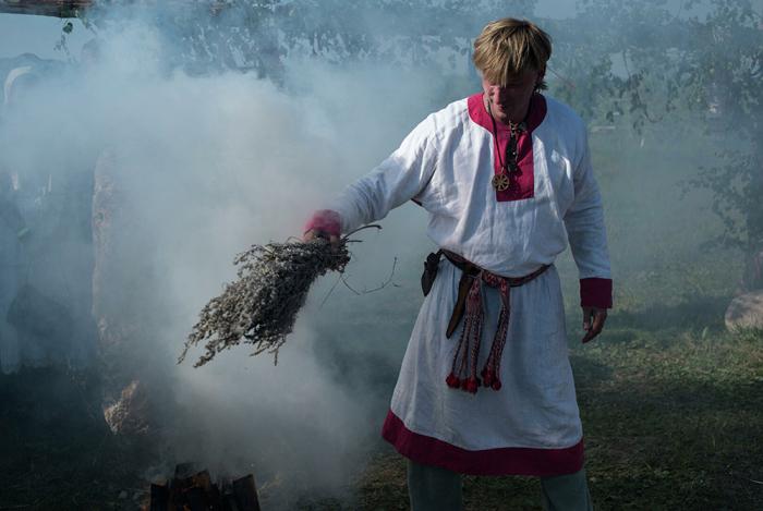 Ведьмы и ведьмаки могли повлиять на урожай / Фото: https://ria.ru