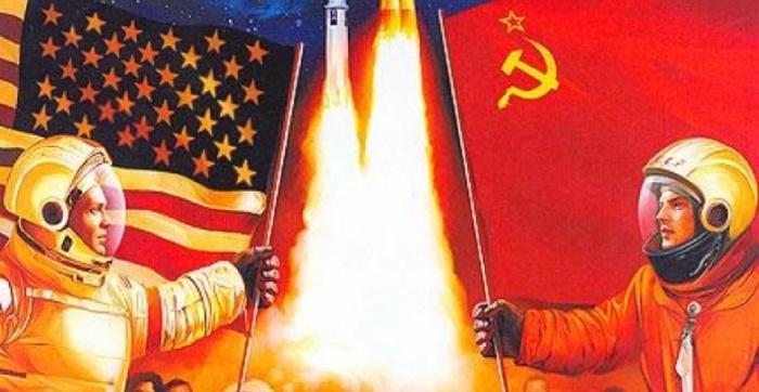 Космическая гонка СССР и США. Плакат 1970-х годов / Источник: pinterest.com