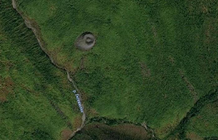 Патомский кратер. Кадр сделан с борта МКС / Фото: destimap.com