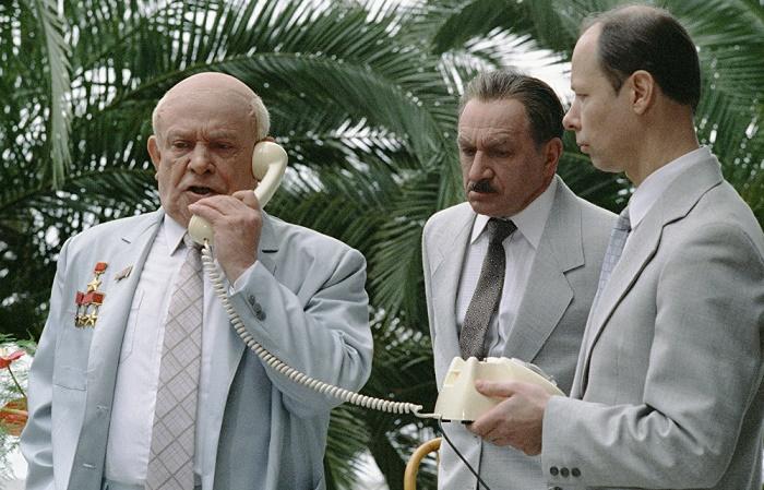 Ролан Быков в роли Никиты Хрущева / Фото: rottentomatoes.com