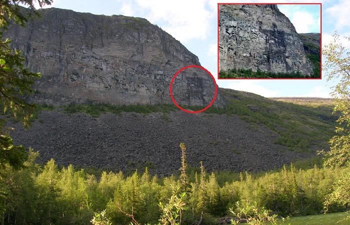 Громадный рисунок на прибрежной скале Лавозера / Фото: facebook.com
