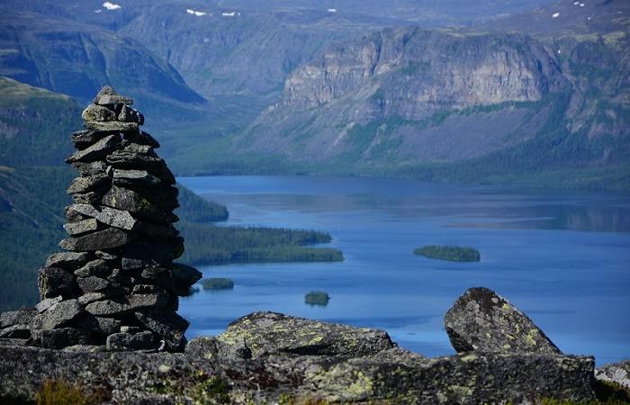 Ловозеро окружено мистическими легендами / Фото: mysticalrussia.wordpress.com