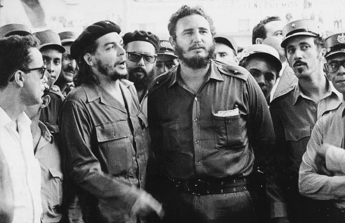 Фидель Кастро и министр промышленности Кубы Эрнесто Че Гевара. 1962 год / Источник: bbc.com