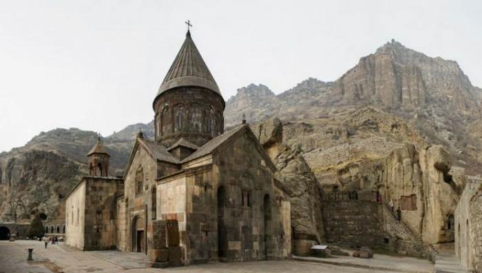 В монастыре Гегард в Армении Копье Лонгина хранилось несколько веков. / Фото:mapme.club