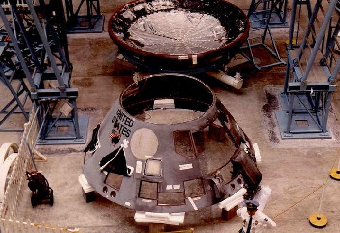 Сгоревший корпус модуля Apollo-1, в котором погибли трое астронавтов. / Фото: wikipedia.org