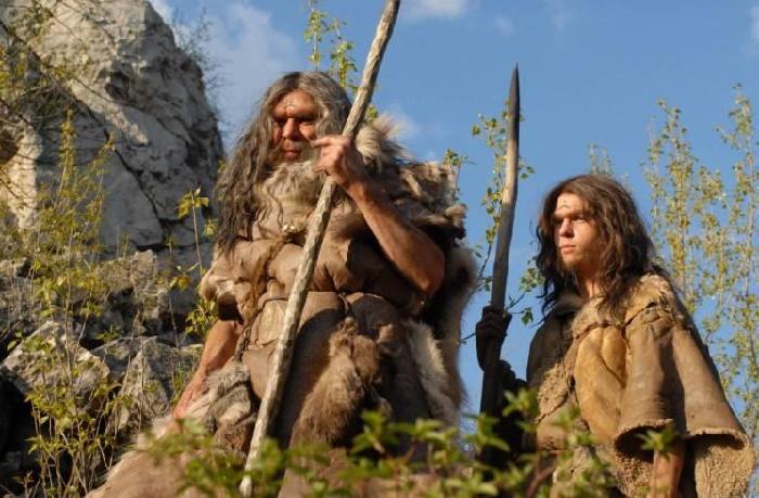 Более прогрессивное оружие охоты помогло кроманьонцам победить неандертальцев в войне за выживание / Источник: gogetnews.info