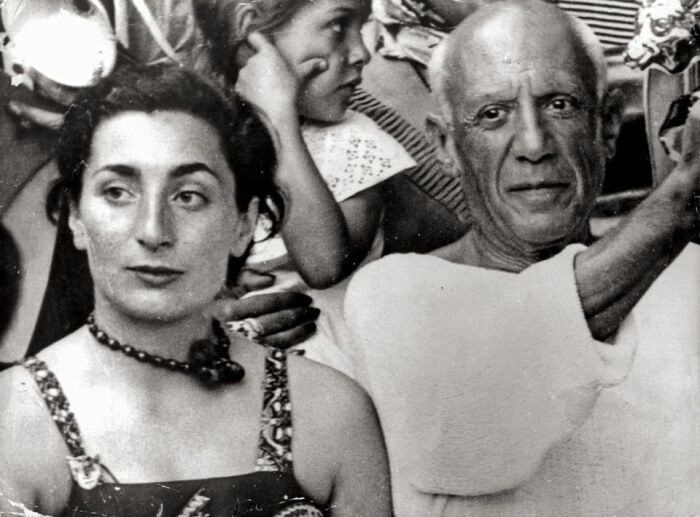 Пабло Пикассо и его вторая жена Жаклин / Фото: artifex.ru