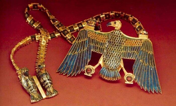 Роскошные украшения Древнего Египта. / Фото: blogspot.com