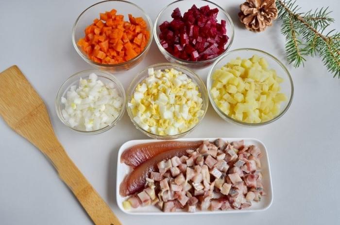 Ингредиенты для салата просты и доступны каждой хазяйке / Фото: povar.ru