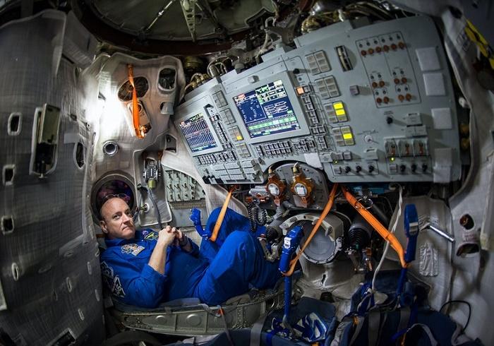 Астронавт Скотт Келли утверждает, что МКС пахнет как тюрьма: из-за комбинации запахов антисептиков, мусора и тел. / Фото: nasa.com
