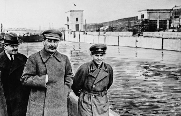 Молотов, Сталин и Ежов. 1937 год / Фото: tvalsazrisi.ge