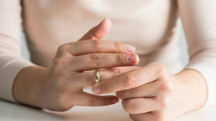 Куда девать обручальное кольцо после развода /Фото: culture.ru