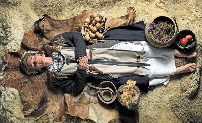 Реконструкция скандинавского захоронения женщины-воина / Фото: news.artnet.com