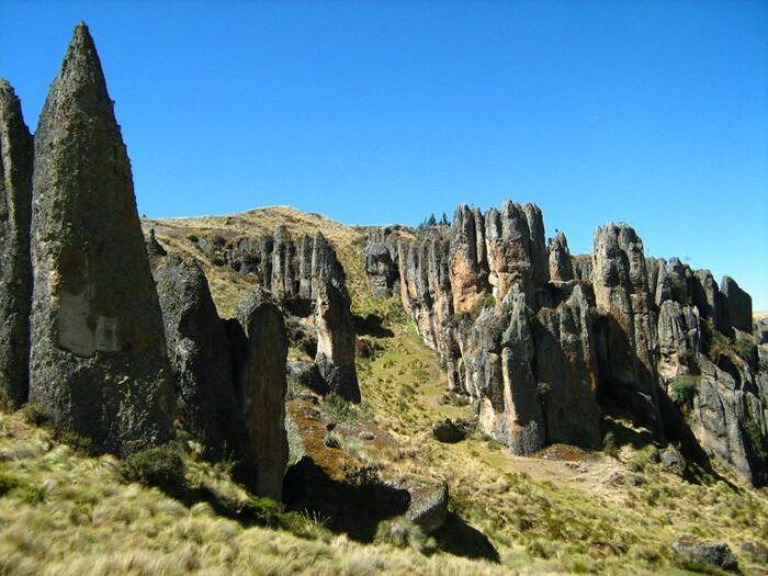 Каменный лес Маркаваси в Перу. / Фото: de.spanienoekonomie.com