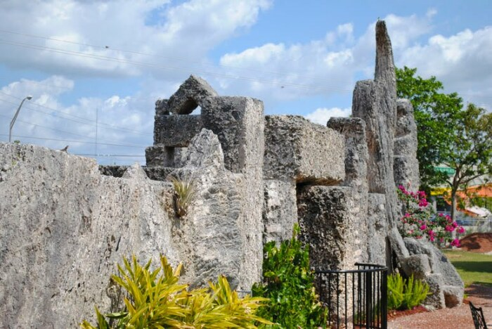 Чем привлекателен Коралловый замок для туристов. / Фото: planetofhotels.com
