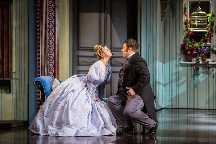 Пьеса «Женитьба» Н.В. Гоголя в постановке Ю.Соломина / Фото: www.maly.ru