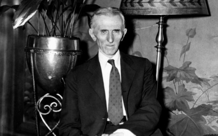 В 1943 году в отельном номер скончался забытый всеми одинокий гений Никола Тесла / Фото: ardexpert.ru