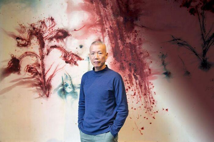 Цай Гоцян постоянно экспериментирует с цветами и техниками / Фото: artistprofiler.art