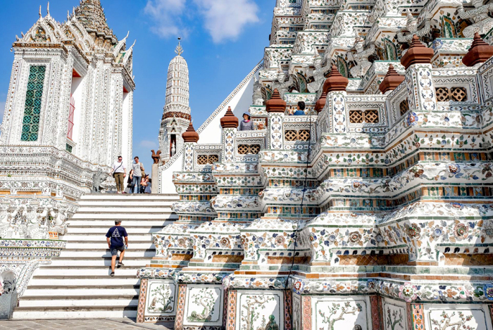 Фарфоровая мозаика храма / Фото: www.exploreshaw.com