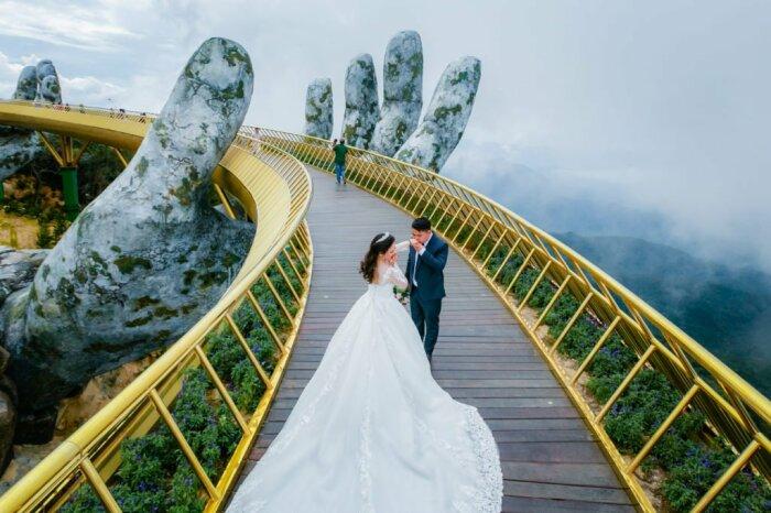 Свадьба на Золотом мосту / Фото: vietnamstory.ru