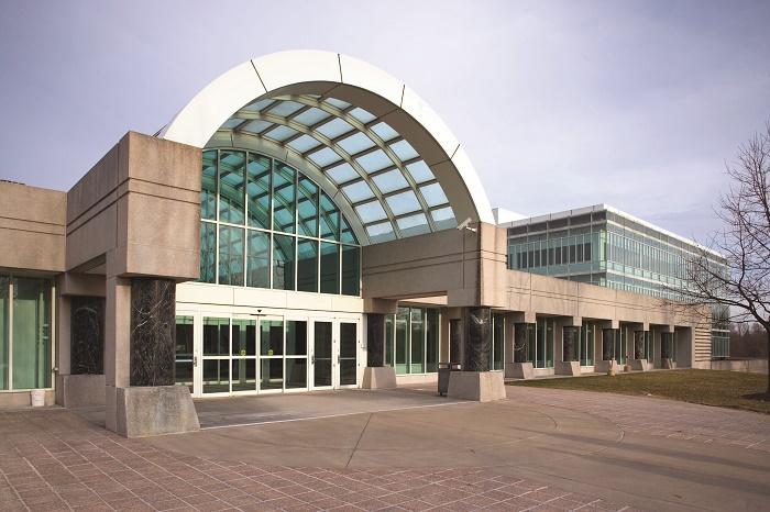 Центральный вход в штаб-квартиру ЦРУ, Лэнгли / Источник: wikipedia.org